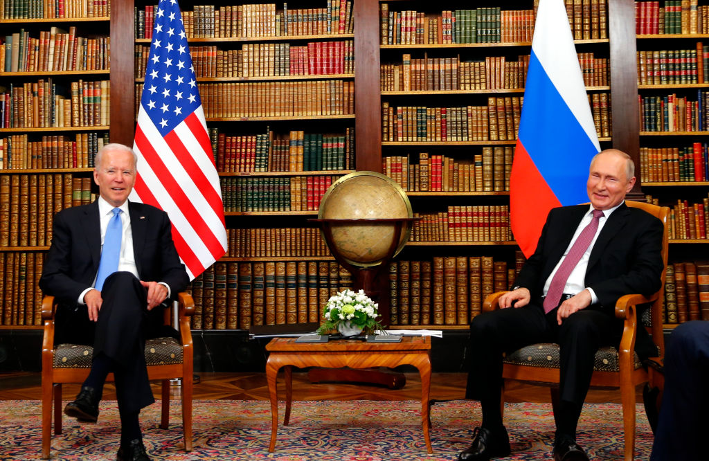 US president Joe Biden (L) and Russia's President Vladimir Putin meet at the start of the U.S.-Russia summit at Villa La Grange on June 16, 2021 in Geneva, Switzerland.