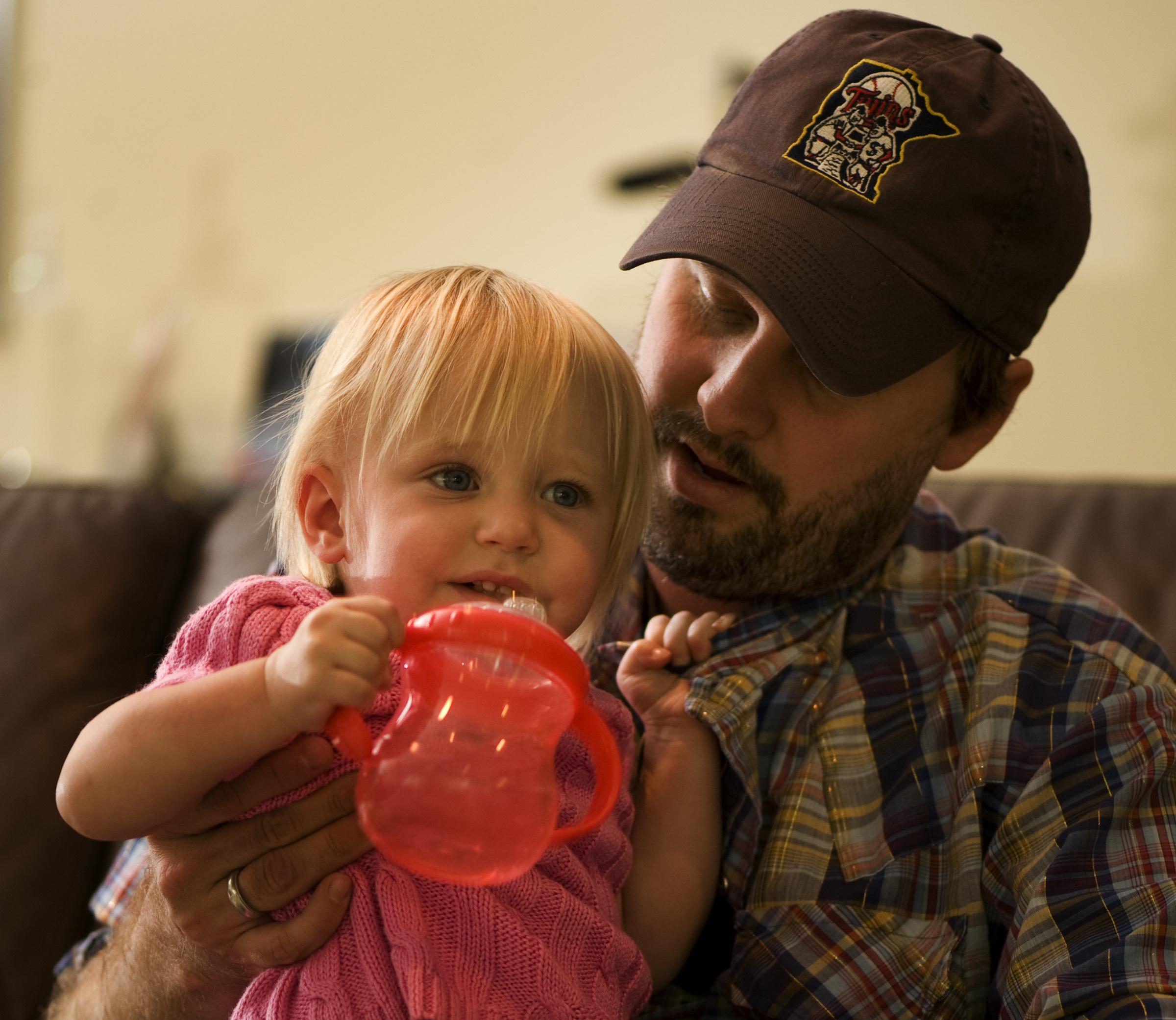 Matt Logelin with his 18 month old daughter Maddy in 2009