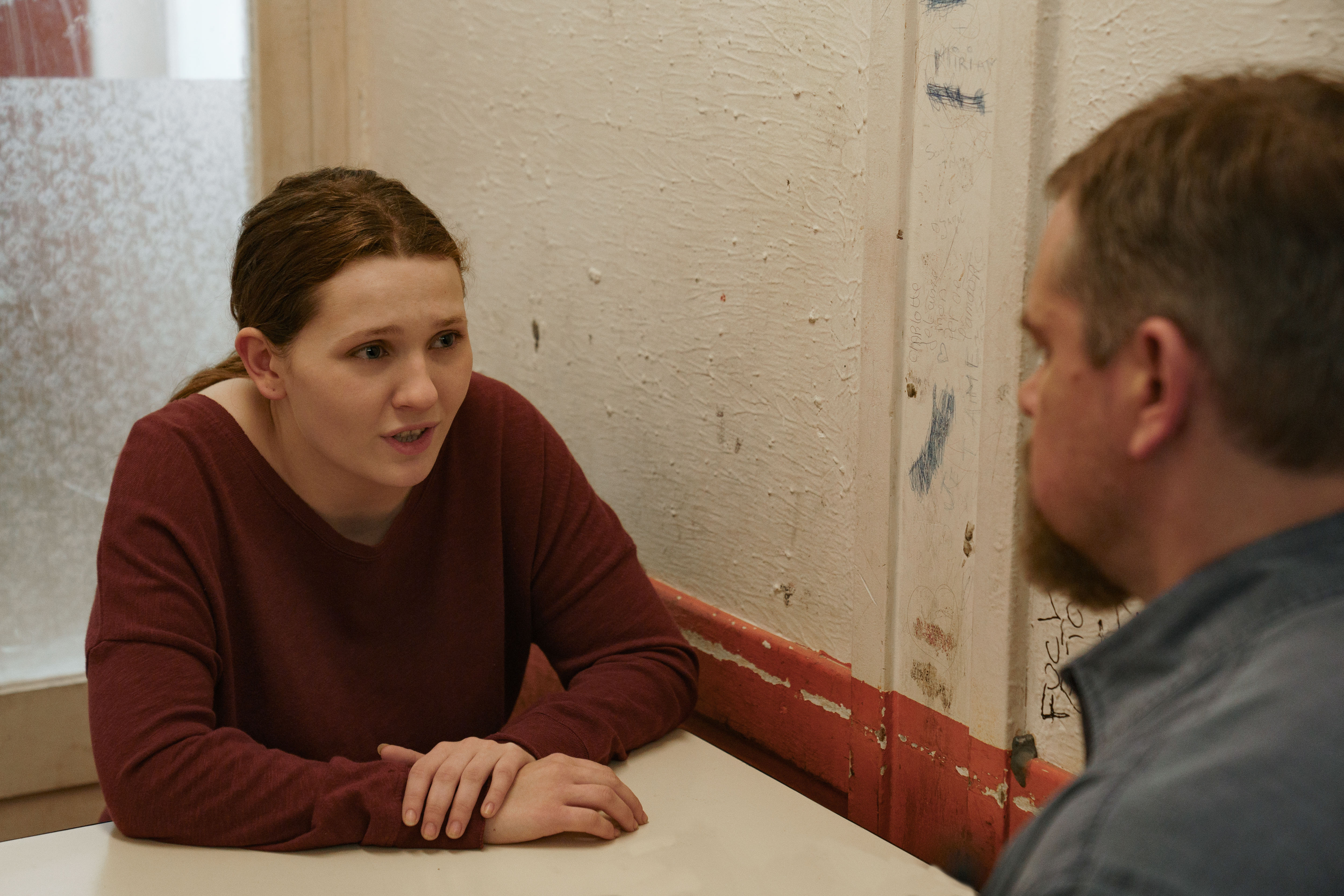 Abigail Breslin plays the daughter Matt Damon's Bill hopes to extract from a messy situation