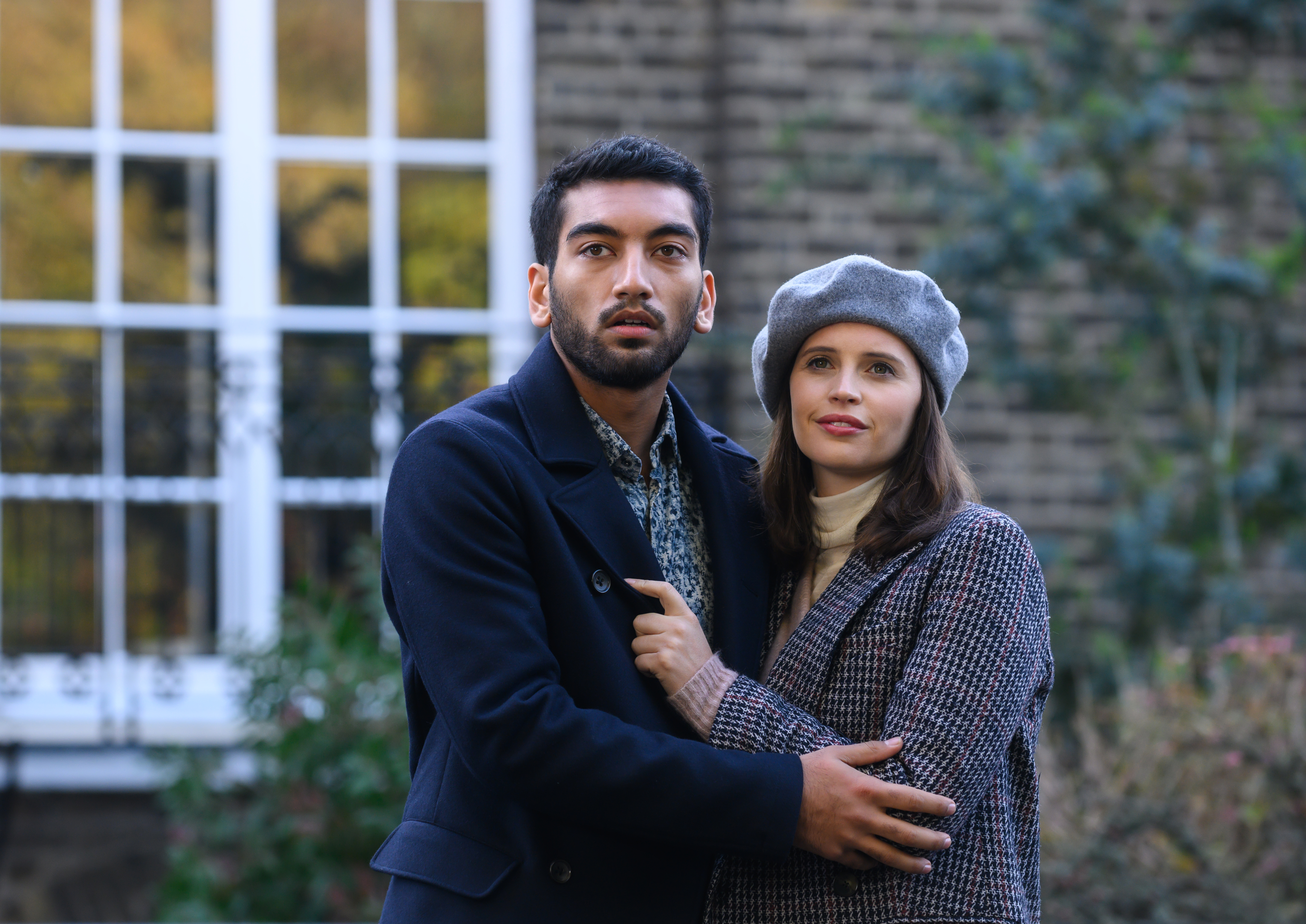Nabhaan Rizwan as Rory McCallan and Felicity Jones as Ellie Haworth in The Last Letter From Your Lover.