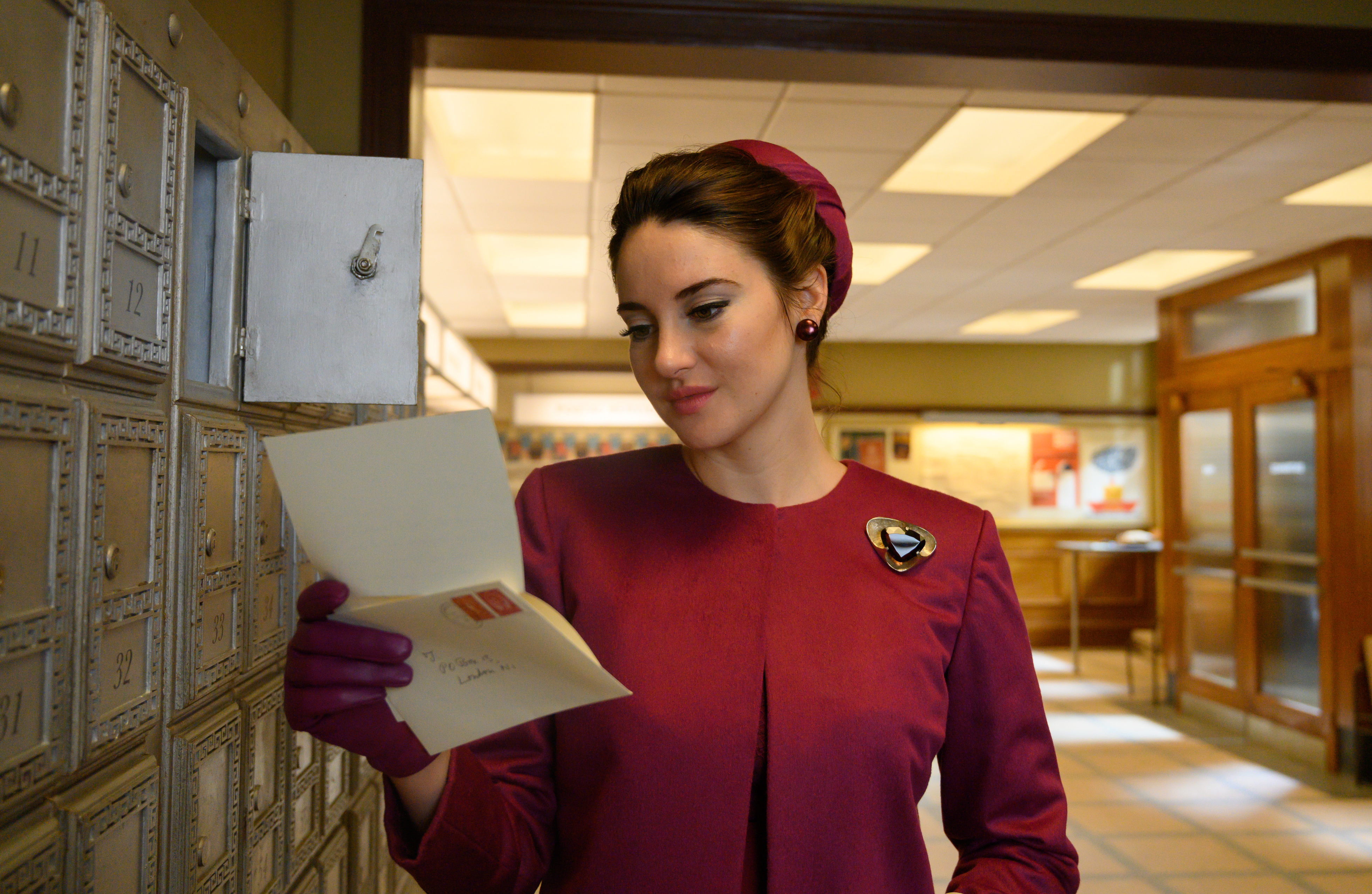 Shailene Woodley as Jennifer Stirling in The Last Letter From Your Lover.