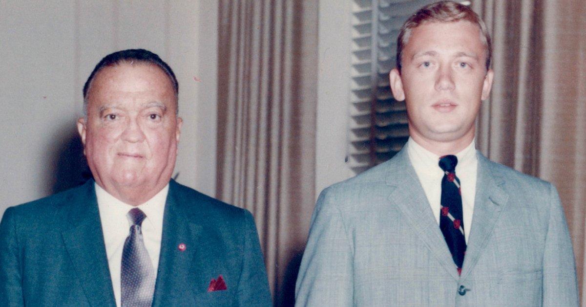 Bekerja untuk J. Edgar Hoover, Saya Melihat Ekses Terburuk dan Niat Terbaiknya