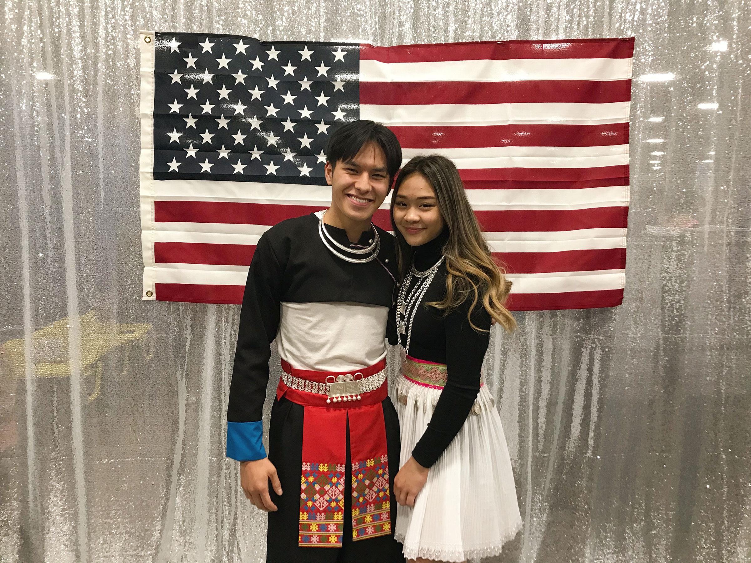 يلتقي فيليب تاو مع سونيزا لي لأول مرة في عام 2019 في العام الجديد.