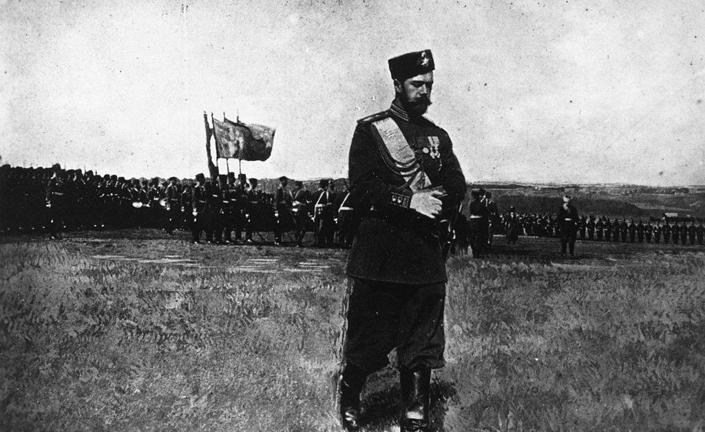 Tsar Nicolas II Mengira Vodka Menyakiti Rusia—Tapi Melarangnya Membantu Menghancurkan Kekaisarannya