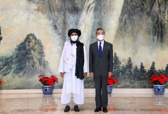 CHINA-TIANJIN-WANG YI-AFGHANISTAN-TALIBAN-POLITICAL CHIEF-MEETING (CN)
