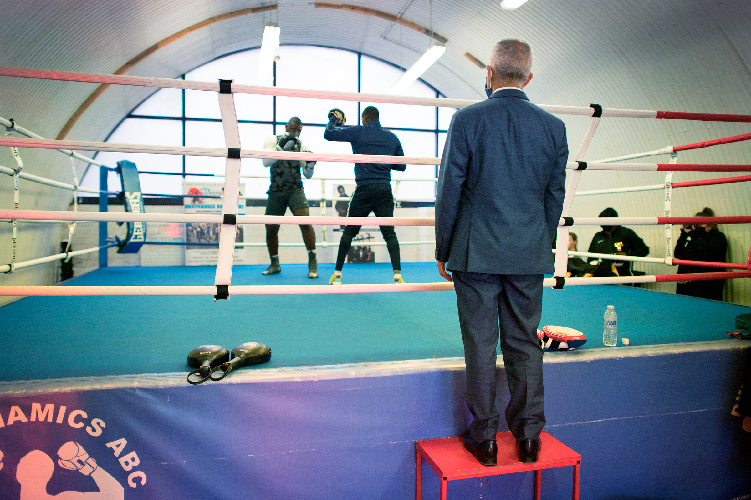 Khan visits the Dwaynamics Boxing Club in Brixton, South London, while campaigning on April 8