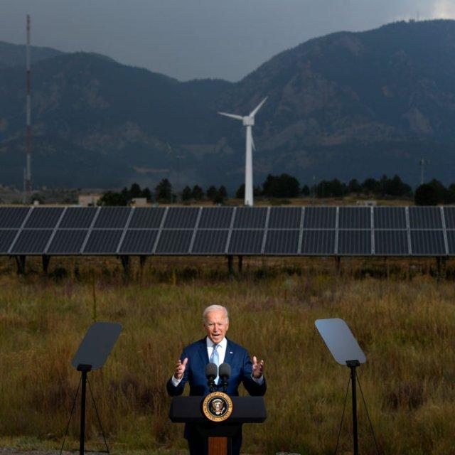 Biden Faces Critical Moment Ahead of Climate Talks