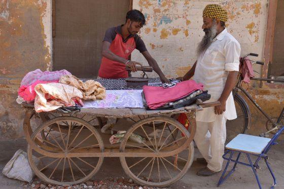 Ironing vendors in India