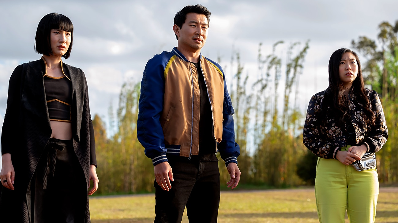 Meng'er Zhang, Simu Liu and Awkwafina in Shang-Chi and the Legend of the Ten Rings