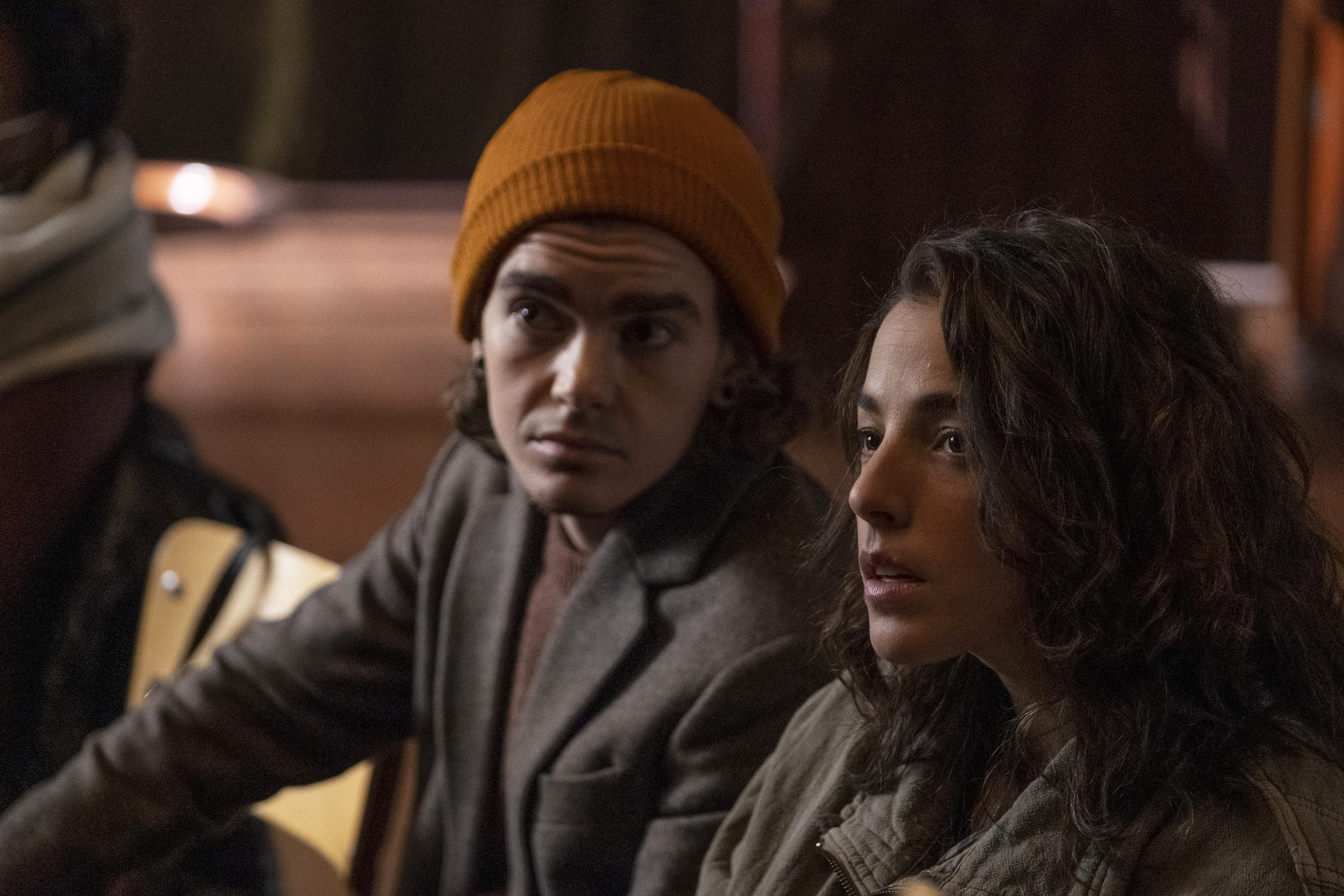 Elliot Fletcher and Olivia Thirlby in 'Y: The Last Man'