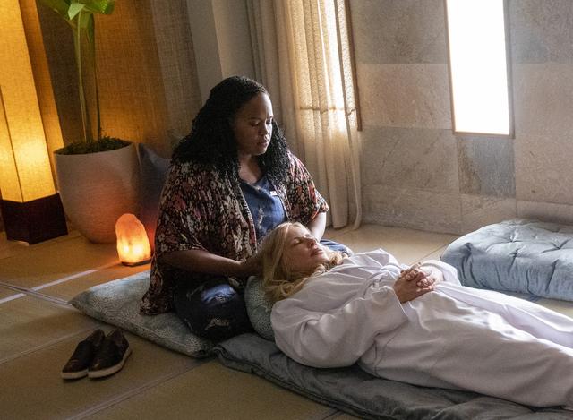 Natasha Rothwell, left, and Jennifer Coolidge in 'The White Lotus'